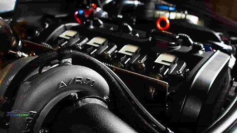 Turbosprężarka zamontowana w aucie.