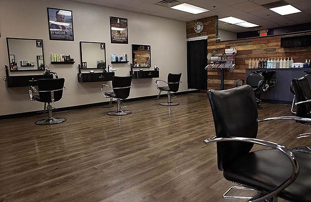 Salon 3:6 salon chairs