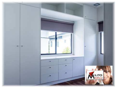 armadio su misura in legno laccato bianco