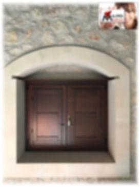 infisso finestra legno scuro