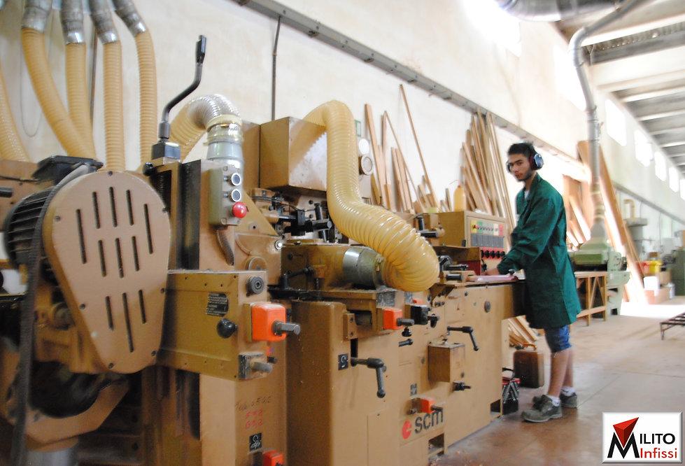 vendita infissi legno a prezzo di fabbrica