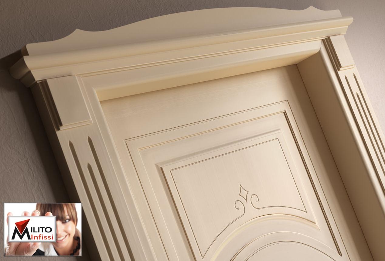 capitello e coprifili porta interna su disegno