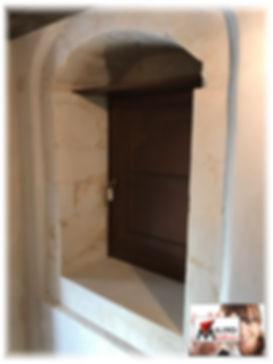 finestra stile siciliano legno scuretti mensola