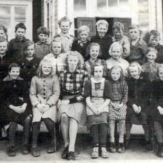 skolklass-1946-3-4-kardis.jpg
