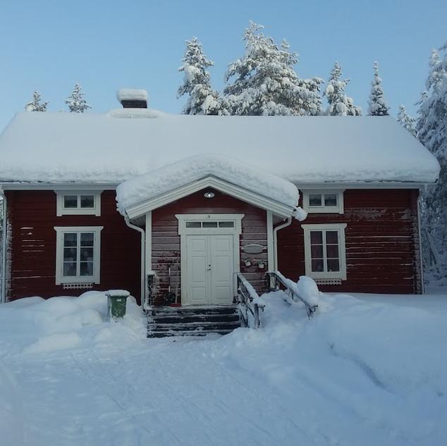 Bygdegården-i-vinterskrud.jpg