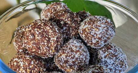 Mint Slice bliss balls (Gluten-Free/Vegan + No Refined Sugar)