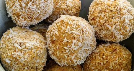 Carrot cake balls (Gluten Free/ Dairy Free/ Vegan/ No Refined Sugar)