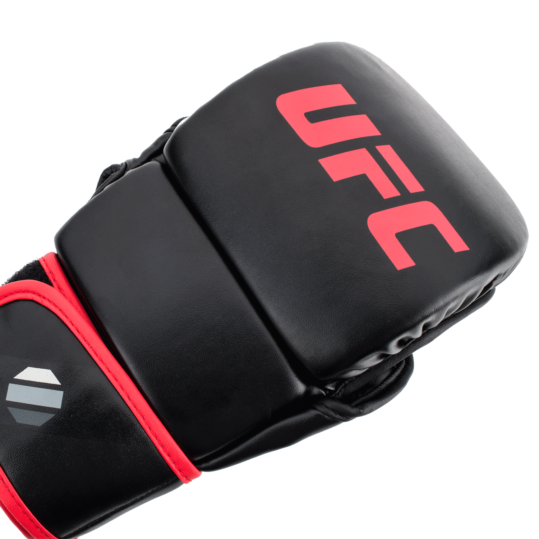 MMA-8oz-Sparring-Glovesbk-1.png