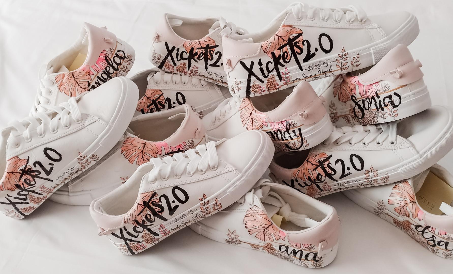 Bride+bridesmaids sneakers