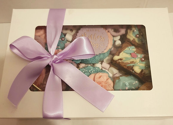 Mothers Day cupcakes & brownie box