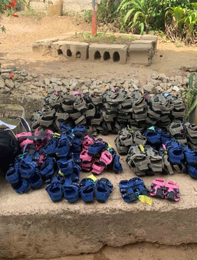 Expandable shoes for orphanages