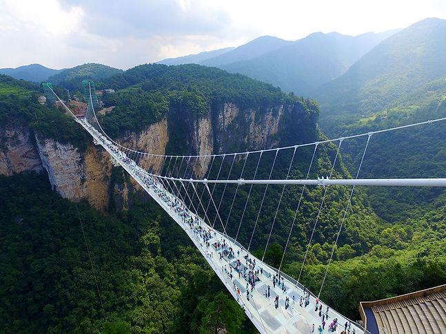 Стеклянный мост ЧЖАНЦЗЯЦЗЕ.jpg