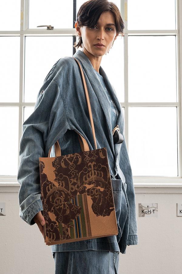 Split_leather_tote_bag_2.jpg