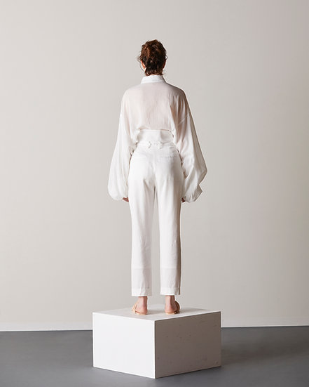 Waist high-back tapered trousers
