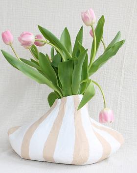 4-Vase Stripes.png