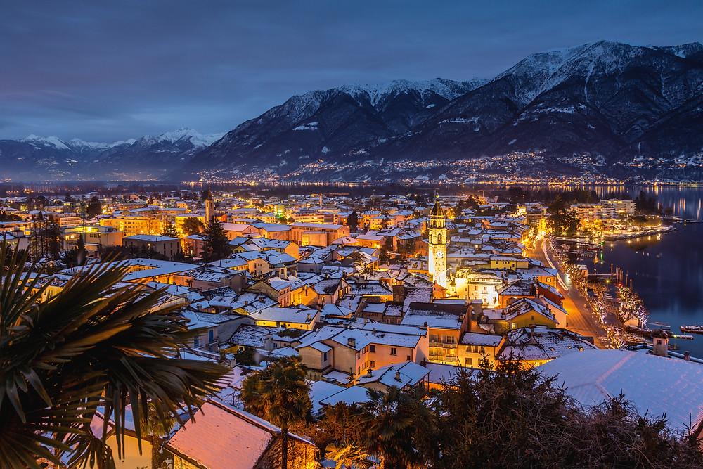 Quelle: Winterpanorama mit Blick Richtung Gambarogno und Cadenazzo, Ascona. Copyright by: Switzerland Tourism - By-Line: swiss-image.ch/Jan Geerk