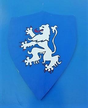 Lion debout blanc fond bleu
