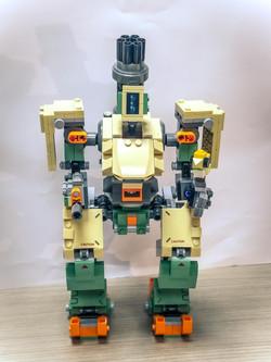 陳朗翹_我最近自己砌的新玩具~機械人LEGO