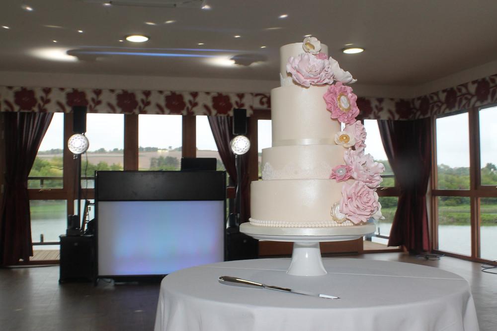Dundee wedding cake - Forbes of Kingennie