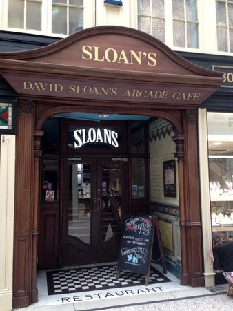 A wedding at Sloans in Glasgow