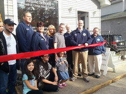 Ribbon cutting with the Mayor