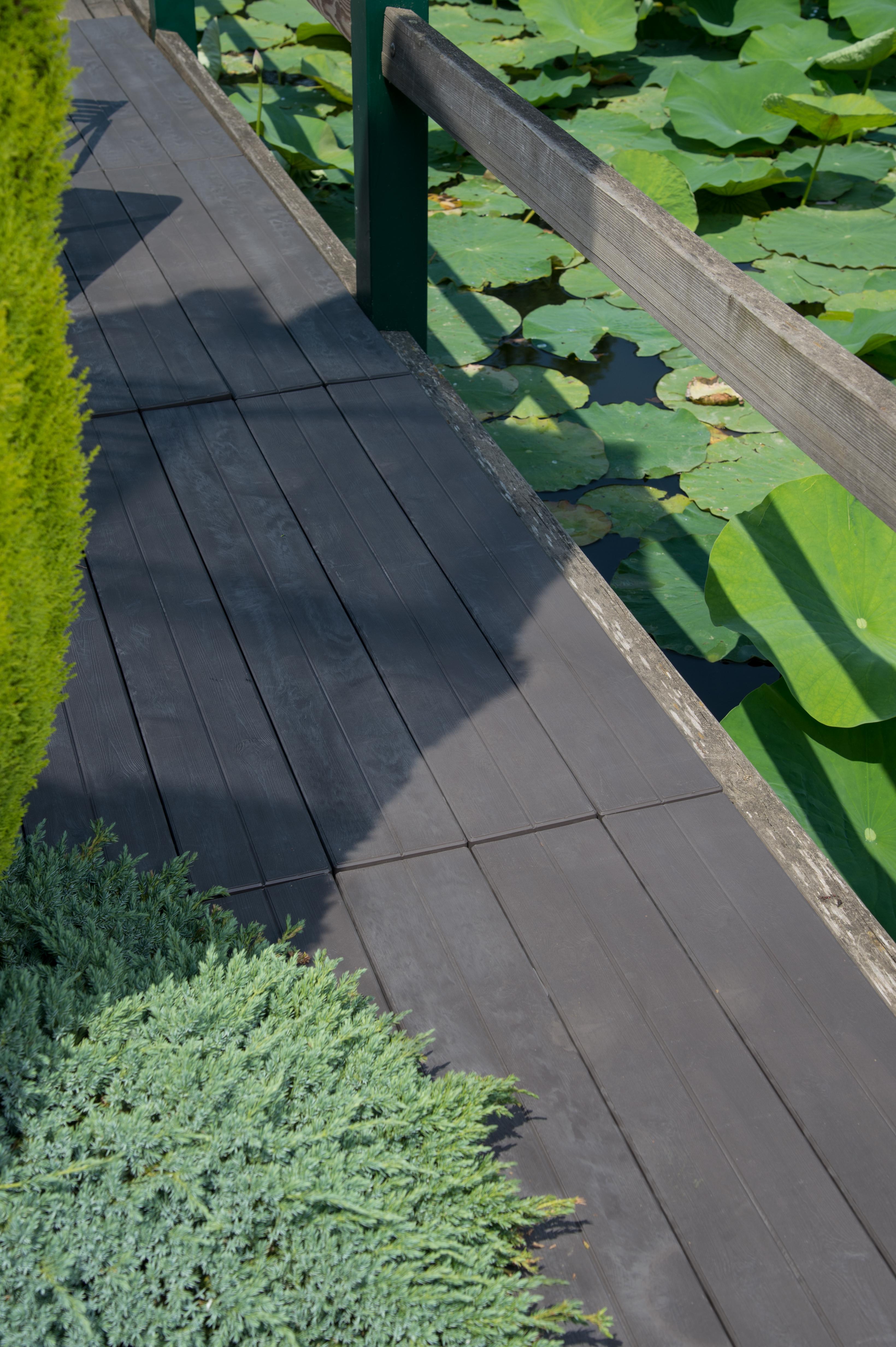 Lame-terrasse-Fabulous Garden-finition-bois-ambiance