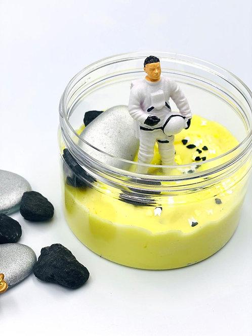 Astronaut Cloud Dhogh Jar
