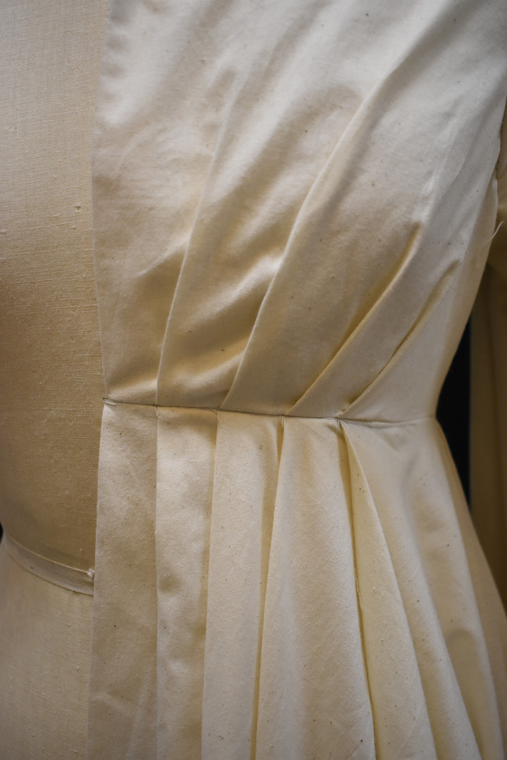 Detail: Pleats