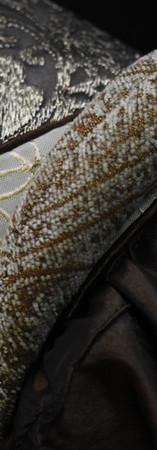 Detail: Partlet, Shoulder Cresent