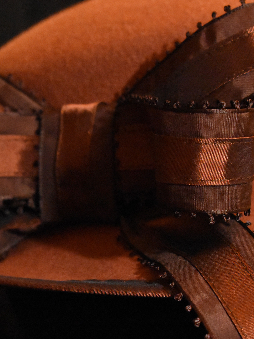 Detail: bow