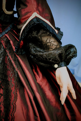 Detail: Crinoline Gown Lower Sleeve