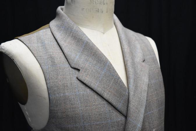 Detail: Shawl Collar
