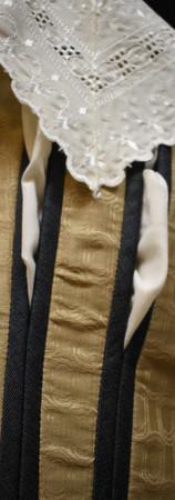 Detail: Slashed Seams