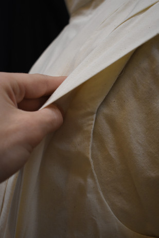 Detail: Fitted Underlayer