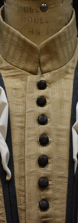 Doublet (no falling band collar)