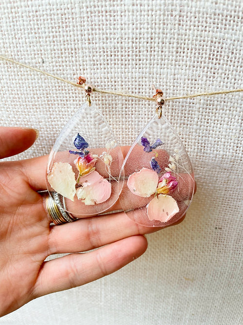 Orecchini a goccia con petali di fiori -disponibile con montatura in argento 925