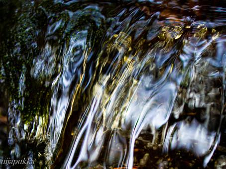 Keväistä puron solinaa