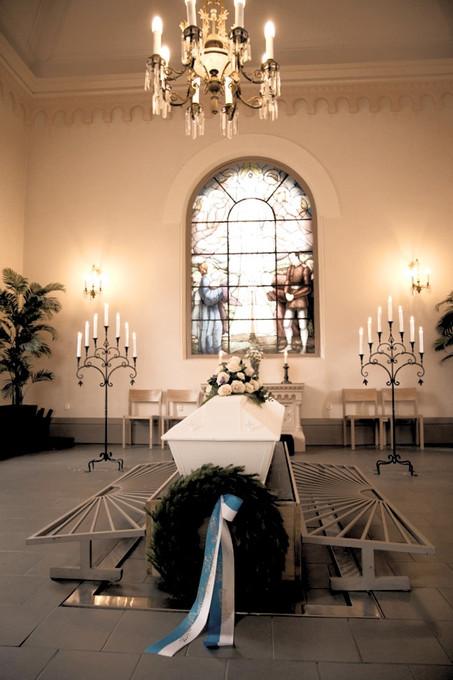 hietaniemen vanha kappeli, hautajaiskuvaus