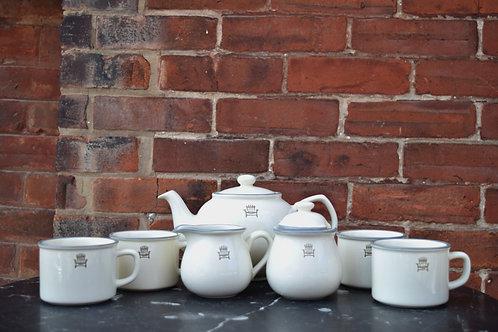 Cottage Weekend Tea Set