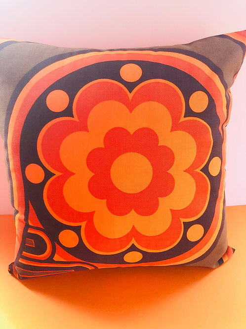 Retro Cushion