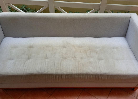 Higienização e Lavagem de sofá (antes)
