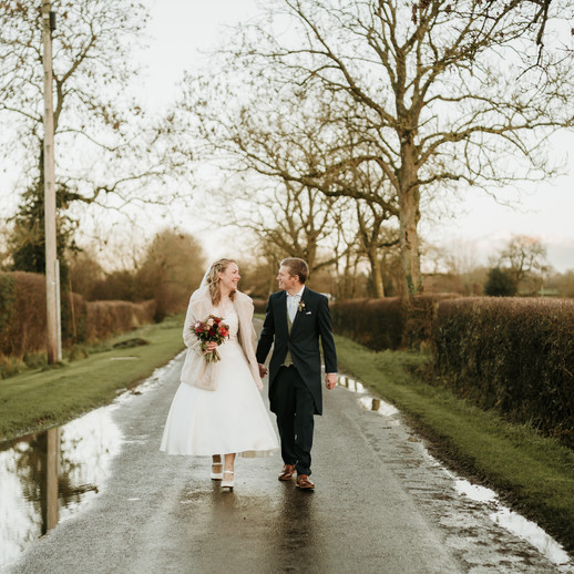 Why You Should Have a Small Wedding