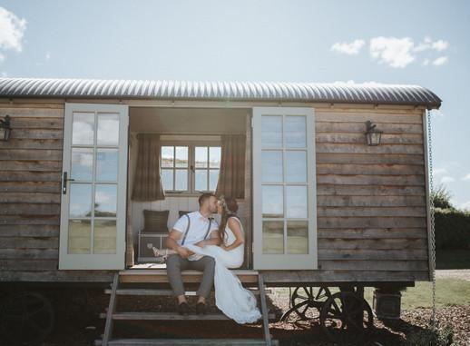 The Best Barn Wedding Venues in Wiltshire// Wiltshire Wedding Photographer