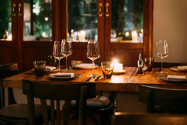 crop-image-romantic-fine-dining-table-wi
