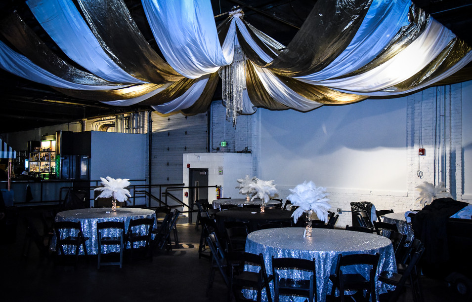 WHITE FEATHER LIGHT-UP CENTERPIECES