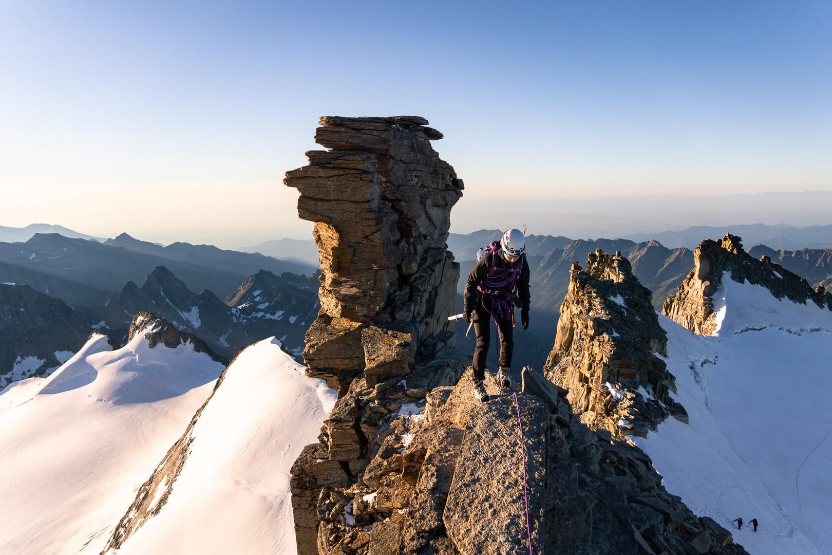 Hélène on the ridge of Grand Paradis