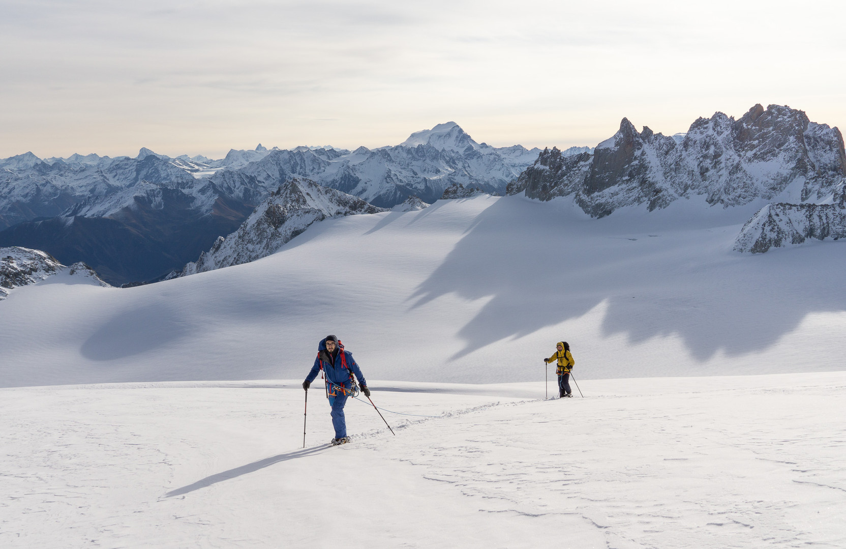A long and snowy approach to reach the Aiguille du Tour