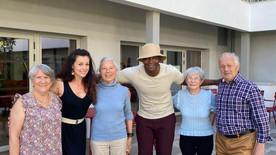 Les seniors au coeur des danses latines à La Rochelle à la résidence beau soleil