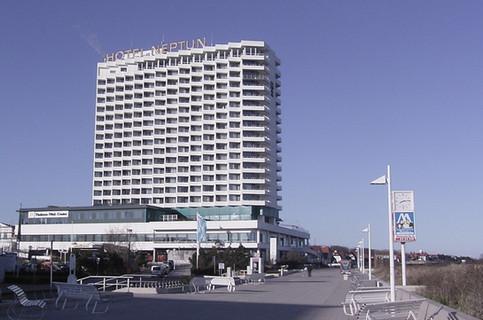 Neptun__Hotel_bearbeitet.jpg