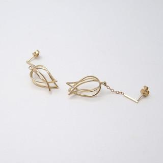 Gouden tulp oorbellen